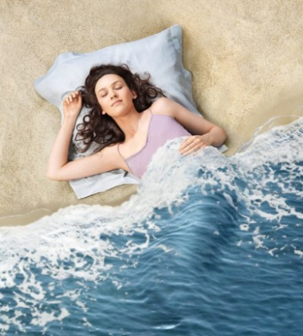 sea,woman,art,دختر,beach,bed-7ade34fd1a598d77167596821592d11c_h